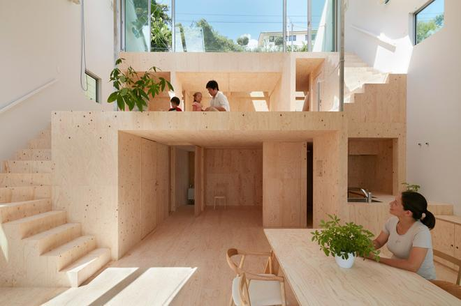 Clever Interiors Make the Most of Steep, Sloped Site in Japan