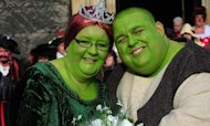 Shrek Wedding: Going Green For Cancer Charity