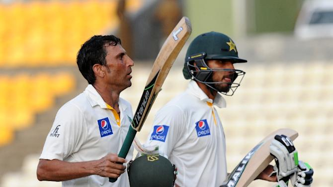 Pakistan captain Younis Khan (left) scored 171 not out as Pakistan beat Sri Lanka in Pallekele on Tuesday