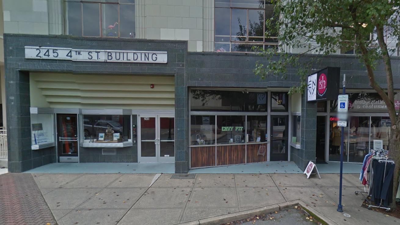Matt Tinder Opens Retail Location for Saboteur Bakery in Bremerton