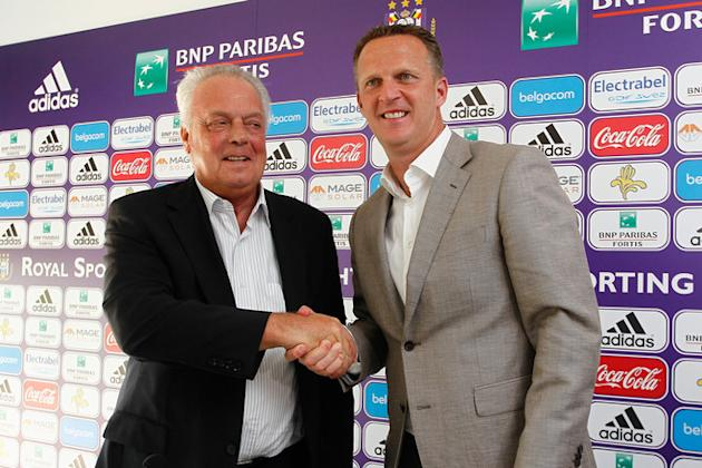 Anderlecht's New Head Coach John Van Den Brom Shakes AFP/Getty Images