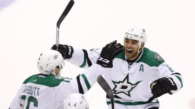 Stars beat Coyotes 4-3 to snap a 7-game slide