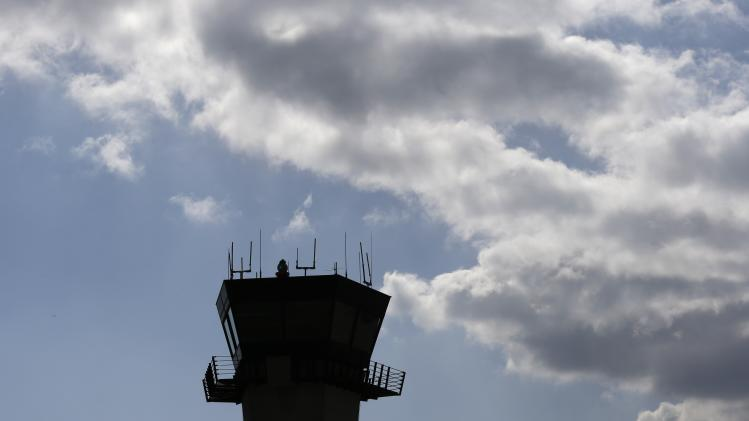 Control towers at 149 small airports to stay open