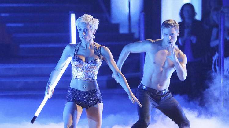 Kellie Pickler and Derek Hough (3/25/13)