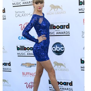 Taylor Swift arrasó en azul