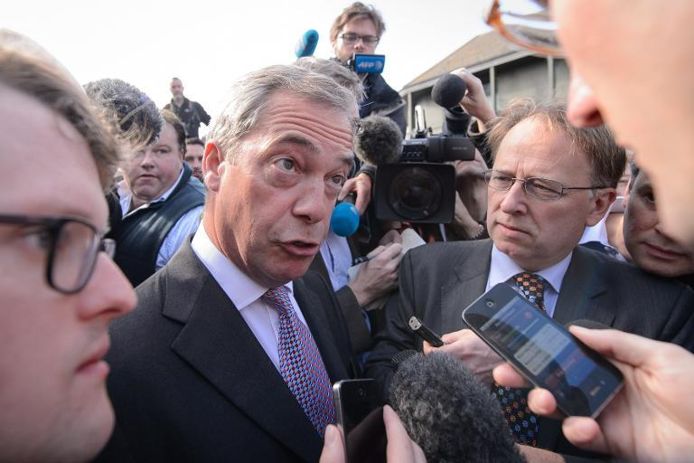 http://www.theguardian.com/politics/2014/oct/20/ukip-does-deal-with-far-right-to-save-european-grouping