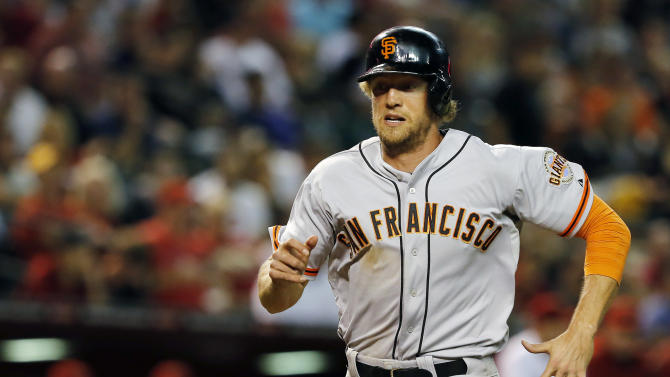 Peavy, Posey help Giants gain ground in NL West