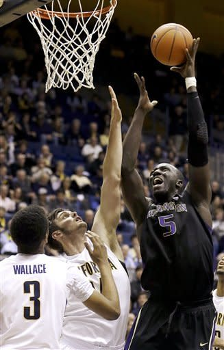 Washington beats California 62-47