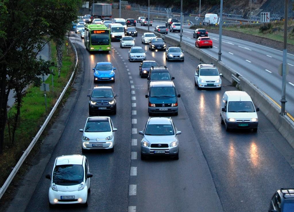 Oslo temporarily bars diesel cars to combat pollution