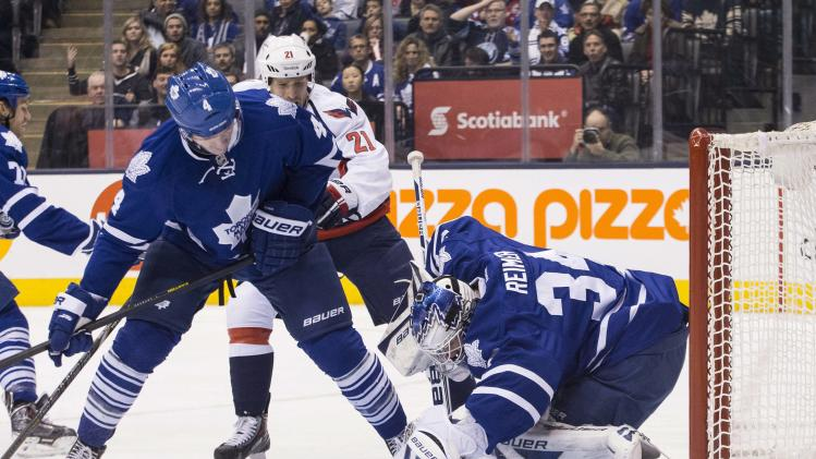 Maple Leafs hold on to beat Capitals 2-1 in SO