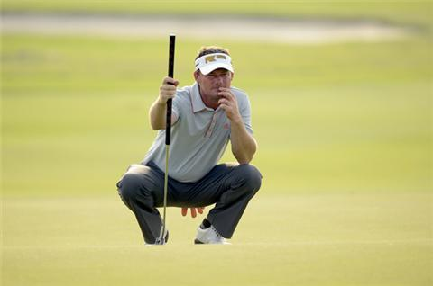 Cejka leads in Thailand Golf Championship
