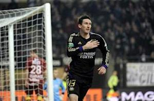 Kljestan signs extension with Anderlecht through 2016