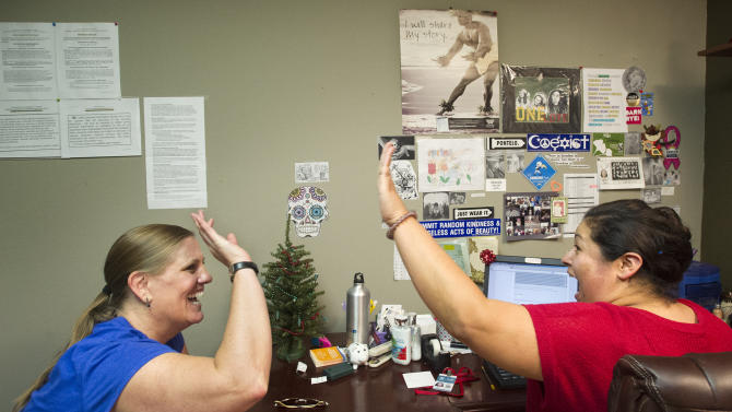 Federal health care sign-ups pass 1 million mark