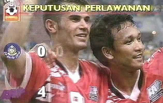 Abbas Saad (left) played for Singapore in the Malaysia Cup in the 1990s (Photo courtesy of Abbas Saad)