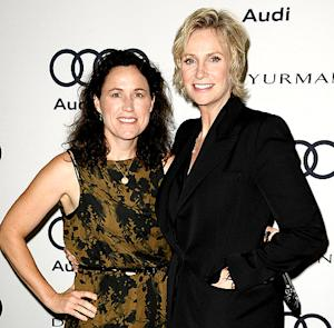 "Jane Lynch: My Divorce From Dr. Lara Embry Is Not ""Dramatic,"" ""Horrible"""
