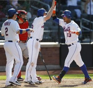 Wright delivers again, Mets rally past Reds