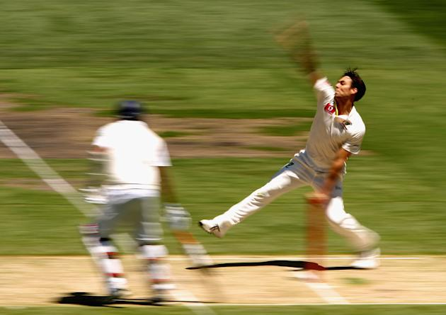 Mitchell Johnson of Australia bowls during day one of the Second Test match between Australia and Sri Lanka at Melbourne Cricket Ground on December 26, 2012 in Melbourne, Australia. (Robert Prezioso/G