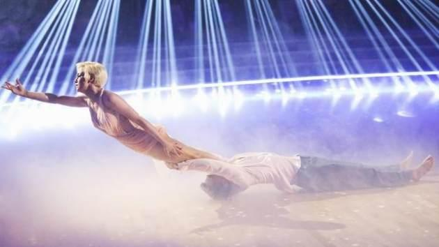 Kellie Pickler and Derek Hough freestyle on the 'Dancing' finals, May 20, 2013 -- ABC