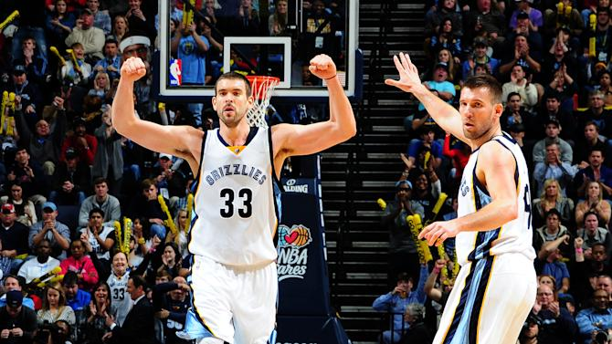 Warriors' 16-game win streak stopped by Grizzlies