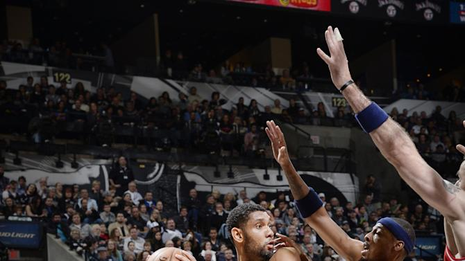 Spurs beat Wizards for the 17th straight time