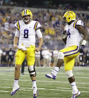 No. 12 LSU opens with 37-27 win over No. 20 TCU