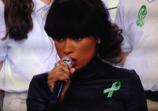 Super Bowl 2013: Jennifer Hudson & Sandy Hook Kids Tackle 'America the Beautiful' — Thoughts?