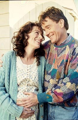A flashback to happier times for Lois and Hal (L-R: Jane Kaczmarek, Bryan Cranston) in Fox's Malcolm In The Middle