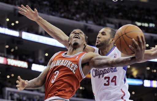 Griffin scores 22 to lead Clips over Bucks 92-86