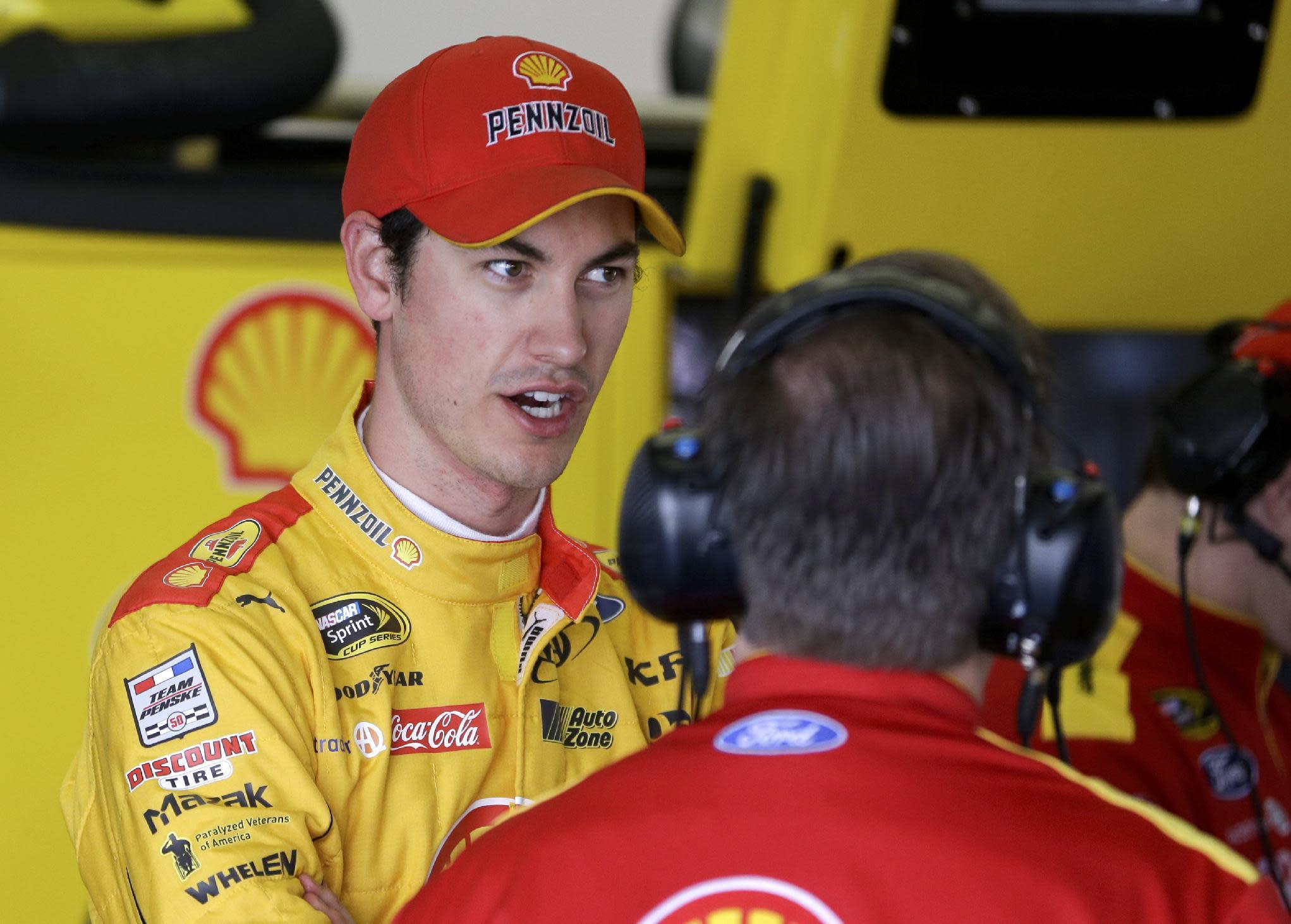 Team Penske helps rookie Ryan Blaney in Daytona 500 practice