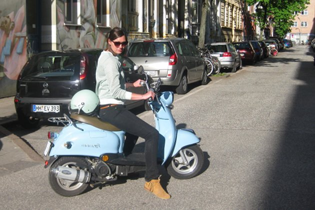 Mit Minimoto k&#xf6;nnen Sie einfach, schnell und schick durch Hamburg fahren (Bild: CCM)