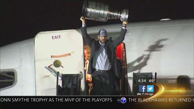 Blackhawks' Stanley Cup 2013 comes home after Patrick Kane and Co. beat Boston Bruins