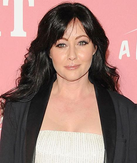 Shannen Doherty Calls 911 to Save Suicidal Twitter Fan