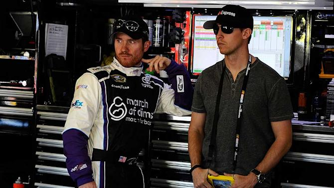 Vickers settles in as Hamlin watches, advises