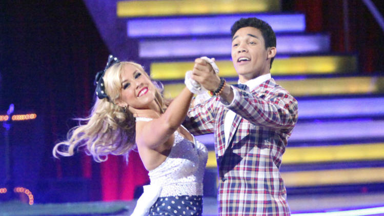 Chelsie Hightower and Roshon Fegan (5/7/12)