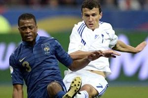 Evra in war of words with Lizarazu