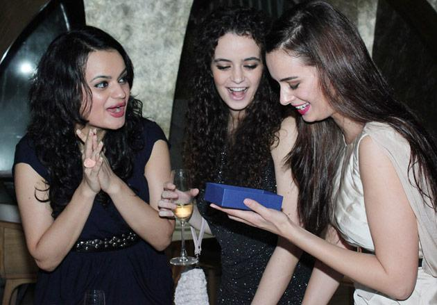 Evelyn Sharma's birthday bash