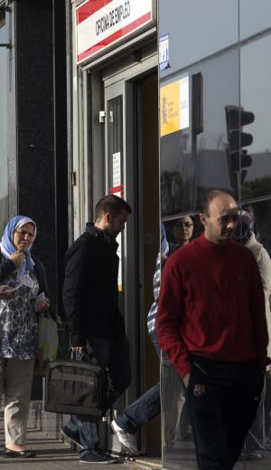 Spain's jobless above 6 million for first time