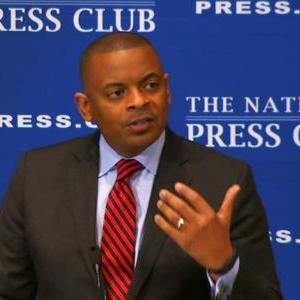 Foxx Cites Washington 'circus Mirror'