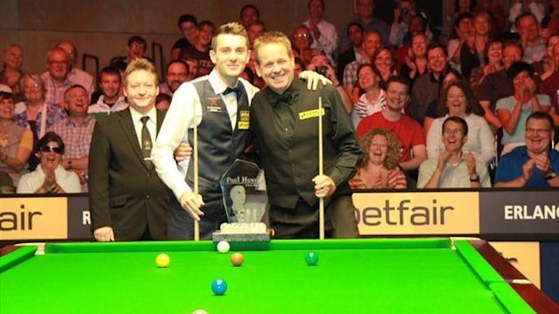 Mark Selby, Joe Swail, Paul Hunter Classic 2012 (Photo from World Snooker)