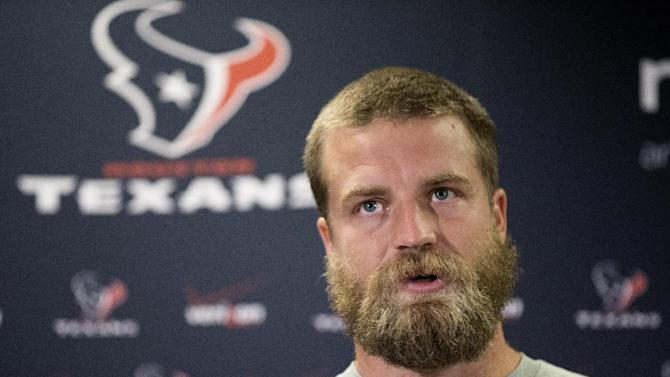 Texans look to vet Fitzpatrick to solve QB woes