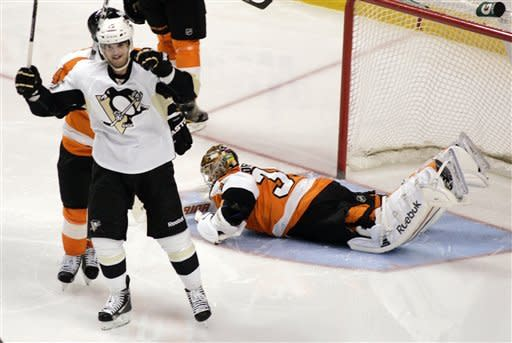 Jeffrey, Cooke lead Penguins over Flyers