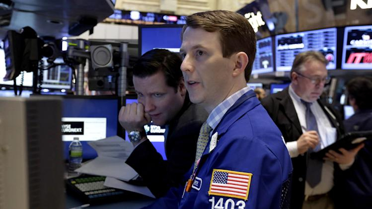 US stocks rise as tech, industrial earns roll in