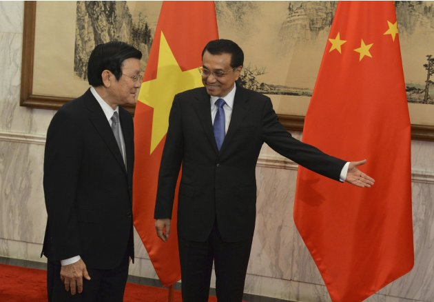 Vietnamese President Tan Sang meets with Chinese Premier Li at Diaoyutai State Guest House in Beijing