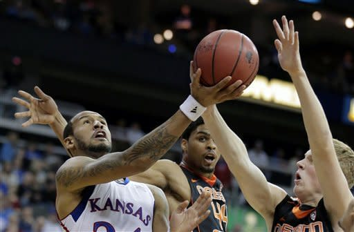 No. 10 Kansas rallies to beat Oregon St. 84-78