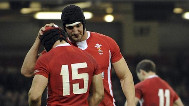 Wales&#39; Sam Warburton (R) consoles Leigh Halfpenny after Samoa&#39;s Johnny Leota scored at the Millennium Stadium (Reuters)