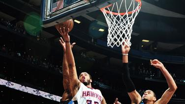 Horford, Pargo help Hawks rally past Minnesota