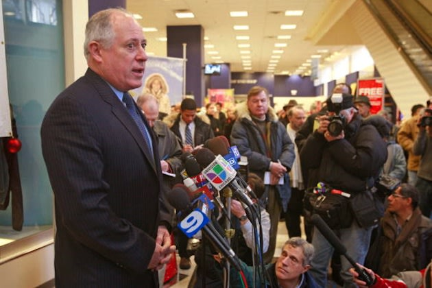 Illinois governor Pat Quinn lashed out against his own alma mater over sports — Getty