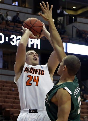 Last-second shot lifts Pacific over Cal Poly 55-53