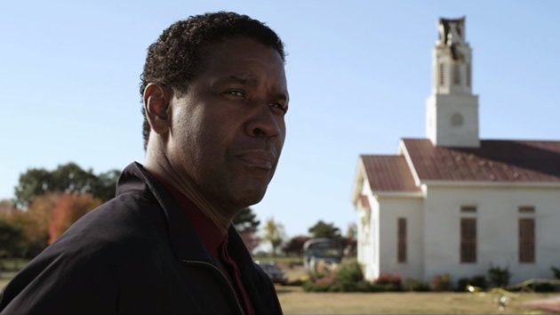 Denzel Washington stars in &amp;#34;Flight&amp;#34;, an action-packed mystery suspense thriller about a pilot who saved his passengers aboard a doomed plane. (Movie still)