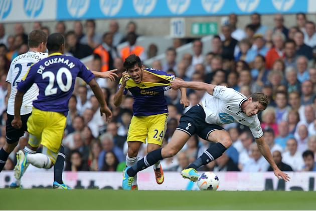 Soccer - Barclays Premier League - Tottenham Hotspur v Swansea City - White Hart Lane